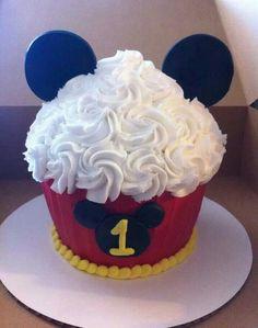 Micky mouse smash cake Mickey Mouse Smash Cakes, Mickey Birthday Cakes, Cupcake Smash Cakes, Smash Cake First Birthday, Mickey 1st Birthdays, Mickey Mouse First Birthday, Mickey Mouse Baby Shower, Baby 1st Birthday, Cupcake Party