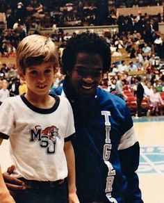 Keith Lee - Memphis State Memphis Basketball, College Basketball, Memphis Tigers, Memphis Tennessee, Legends, Memories, Awesome, Sports, Pictures