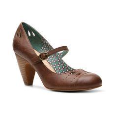 Crown Vintage Tisha Pump ($40) ❤ liked on Polyvore featuring shoes, pumps, heels, vintage shoes, vintage heels shoes, heel pump, vintage pumps and crown vintage shoes