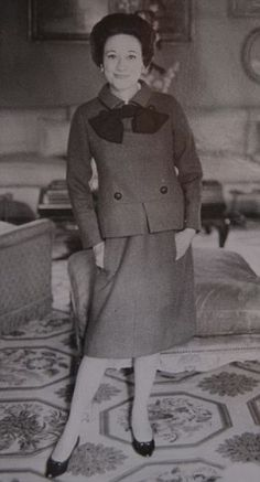 The Duchess, pictured in the early Sixties wearing a pair of Anglisano crocodile shoes. Two pairs of these shoes are being auctioned, one mid brown leather, the other dark brown Edward Windsor, British Royal Family Members, Christian Dior, Wallis Simpson, Edward Viii, Under The Hammer, Elegant Couple, Princess Victoria, Queen