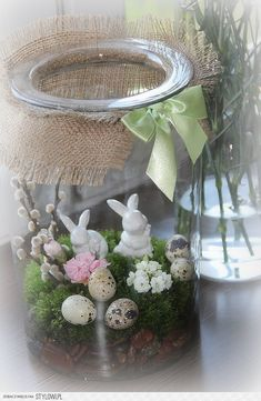 Wielkanocne dekoracje Christmas Arrangements, Christmas Decorations, Easter Crafts For Toddlers, Easter Tree, Spring Projects, Hoppy Easter, Miniature Fairy Gardens, Deco Table, Easter Party