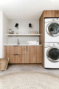 Wall Mounted Drying Rack, Drying Racks, Modern Laundry Rooms, Laundry Room Inspiration, Storage Hacks, Storage Ideas, Laundry Room Organization, Laundry Room Design, Laundry Decor