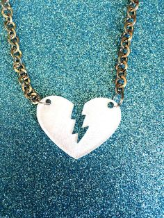 White Pearlised Acrylic Heart Pendant Necklace juliedeeleyjewellery.com £4.99
