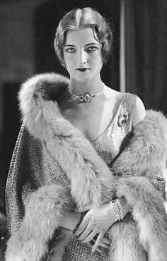 1920's Fashion - Gwili Andre - 1927 - Vanity Fair 1920, time travel, furs, fashion models, roar 20s, 1930s fashion, flapper, style clothes, vintage vogue