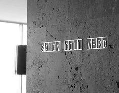 Señaletica de diseño acero inoxidable PICTOS Premio DELTA DE PLATA SANICO