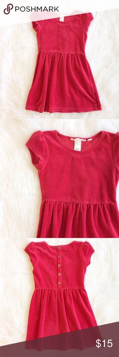 H&M red velvet dress In excellent condition! H&M brand, girls size 6-8. Faux buttons in back, perfect for a holiday event. (Girls - 001) H&M Dresses Casual