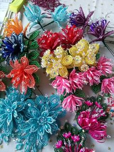 Put long beads in the center row like these blue flowers.