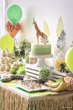 Jungle Birthday Party Ideas Jungle theme birthday cake<br> Bring the jungle to you home with these helpful jungle birthday party ideas! Perfect for any jungle-themed party. Jungle Theme Parties, Jungle Theme Birthday, Wild One Birthday Party, Safari Party, Jungle Party, Boy First Birthday, Animal Birthday, Boy Birthday Parties, Birthday Party Decorations