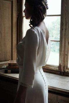 Boho wedding dresses in Montreal Boho Wedding Dress, Dream Wedding Dresses, Designer Wedding Dresses, Wedding Gowns, Modern Victorian Fashion, Vestidos Vintage, Bridal Photography, Bridal Style, Wedding Styles