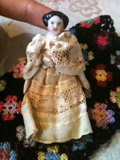 RARE Super Tiny Antique Civil War Era Flat Top China Head Doll with Quilt | eBay