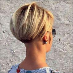 Best Bob Hairstyles & Haircuts for Women - Hairstyles Trends Short Bob Haircuts, Hairstyles Haircuts, Cool Hairstyles, Bob Balayage, Short Hair Cuts, Short Hair Styles, Multicolored Hair, Corte Y Color, Lob Haircut