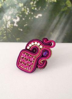 MonikaS Anillo soutache fucsia Handmade Beaded Jewelry, Earrings Handmade, Shibori, Soutache Necklace, Beaded Embroidery, Fashion Jewelry, Beads, Diy Kid Jewelry, Earrings
