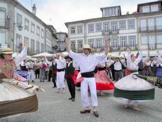 Dancing, Praça Marquês, Ponte de Lima, Portugal