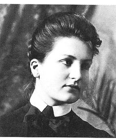 Alma Mahler created musical compositions for sixteen Lieder (songs). She has been married to Gustav Mahler, Walter Gropius and Franz Werfel. Gustav Mahler, Gustav Klimt, Walter Gropius, Sigmund Freud, Alma Mahler, Romantic Composers, Music Composers, Musa, Conductors