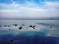 Alba fresca e silenziosa.  #livorno #toscana #tuscany #italia #italy #clouds #sky #igers #igerslivorno #igersitalia #volgolivorno #volgoitalia #volgotoscana #igerstoscana #igersoftheday #igers #l4l #likeforlike #instalike #instamood #sea #seaside #mare