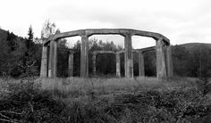 """Die Glocke Test Site Die Glocke (""""The Bell"""") was a purported top secret Nazi scientific technological device, secret weapon, or Wunderwaffe … Farrell, and others such as Peter Levenda, associates it with Nazi occultism and antigravity or free energy..."""