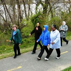 What America's Most Walkable Suburb Can Teach Towns Everywhere – Green Transportation – MOTHER EARTH NEWS