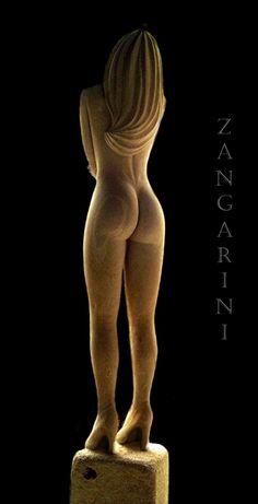 SCULTURA IN Pietra leccese Altezza 250 cm Artista- Antonio Cassio Zangarini
