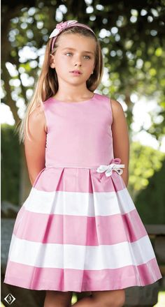 {Traditional and tailored made kid gown, creates the best solution. Young Fashion, Tween Fashion, Little Girl Dresses, Girls Dresses, Baby Frocks Designs, Dress Anak, Kind Mode, Ladies Dress Design, Baby Dress