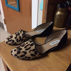NEW Steve Madden leopard flats Only tried on in house. Love them, They just don't look right on me. Size 8.5. Leopard and black print. Steve Madden Shoes Flats & Loafers
