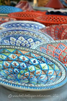 Sicilian Ceramics - Sicily, Italy - I'll take some of these Mom! Sculptures Céramiques, Italian Pottery, Italian Style, Ceramic Pottery, Talavera Pottery, Italy Travel, A Table, Dinnerware, Messina Sicily