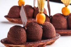 Peruvian chocolate and aguaymanto fruit - http://www.peruinsideout.com/wp/