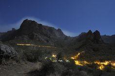 Ayacata bajo la Luna (Azul) llena. Interior de Gran Canaria. Foto Job Marrero Alemán (@marrerojob)