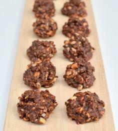 Are you looking for a healthy Crunchy Chocolate Bites (Vegan, No Refined Sugar)? No Sugar Foods, Like Chocolate, Dessert Recipes, Desserts, Sugar Cookies, Almond, Healthy Recipes, Treats, Vegan