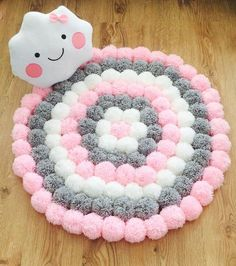 Handmade Cute and fluffy round Pom Pom rug consisting of three different colours (soft pink,light grey and white Measures diameter This rug will look lov Crochet Projects, Craft Projects, Sewing Projects, Pom Poms, Baby Crafts, Diy And Crafts, Pom Pom Crafts, Diy Pom Pom Rug, Creation Deco