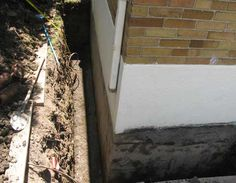 The most effective basement wall waterproofing method is exterior waterproofing. See step by step exterior basement wall waterproofing process described by Toronto Master Plumber from A to Z plumbing Wet Basement Solutions, Basement Ideas, Waterproofing Basement Walls, Diy Projects Garage, Plumbing Drains, Civil Construction, French Drain, Cinder, Home Reno