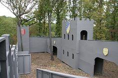 While most paintball fields are boring collections of old shipping pallets, tyres and dead trees, some crazy field ops go the extra mile, check out top 10 insane themed paintball fields.