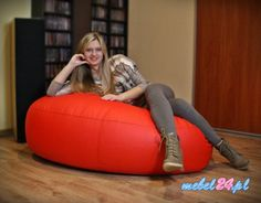 Ciekawy fotel w kształcie ogromnego serca - FUNNY Serce Maxi.  #fotel #fotele #wksztalcieserca #wygodnyfotel