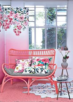Designers Guild Trailing Rose wallpaper as featured in Marie Claire Maison, Fran… Rich Home, Rose Wallpaper, Diy Remodel, Diy Bathroom Decor, Small Bathroom Decor, Home Decor, House Interior, Modern Boho Decor, Designers Guild