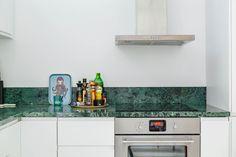 NOOKS | Ett nytt sätt att hitta hem #marble #marmor #kitchen #green #greenmarble #sweden #stockholm #diningroom #nooks #hellonooks #livingroom #diningroom