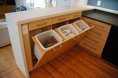 ゴミ箱・ダストボックスinキッチン-置き場所の参考に。ビルトイン&レイアウト32の海外実例