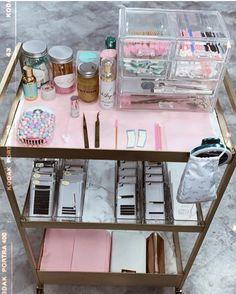 Home Beauty Salon, Home Nail Salon, Nail Salon Design, Nail Salon Decor, Beauty Salon Decor, Beauty Bar, Beauty Studio, Spa Room Decor, Beauty Room Decor