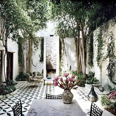 When it concerns styling rooms, the lines in between indoor and outdoor living have blurred. We're now making the effort and initiative to create outdoor patios, decks, and backyards that mirror our sense of style equally as much as our living-room does. Outdoor Rooms, Outdoor Gardens, Outdoor Living, Vogue Home, Gazebos, Patio Tiles, Concrete Tiles, Patio Wall, Outdoor Tiles Patio