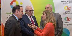 El consejero de Empleo, Empresa y Comercio, José Sánchez Maldonado, ha presentado en Sevilla el nuevo Programa de Incentivos para el Desarrollo Energético Sostenible de Andalucía, que prevé la creación de 23.500 nuevos empleos hasta 2020, acto en el que han participado alrededor de 700 empresarios. El objetivo del Programa de Incentivos para el Desarrollo …