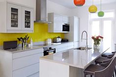 A Remo Dove Grey Kitchen - http://www.diy-kitchens.com/kitchens/remo-dove-grey/details/