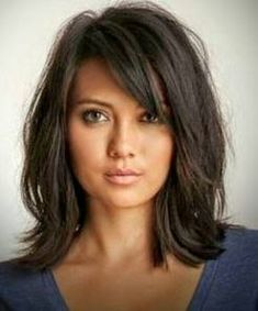 Pretty hairstyle on very beautiful woman Medium Lenght Hair With Layers Beautiful Belle Coiffure Femme Hairstyle Pretty woman Medium Short Haircuts, Haircuts For Long Hair, Medium Hair Cuts, Long Hair Cuts, Layered Haircuts, Medium Hair Styles, Long Hair Styles, Medium Hair With Layers, Haircut Medium