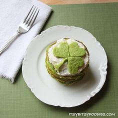 Green Velvet Pancakes @FoodBlogs