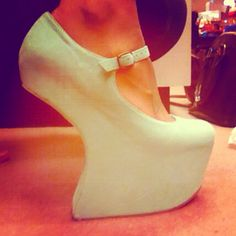 My new Jeffrey Campbells, in mint!