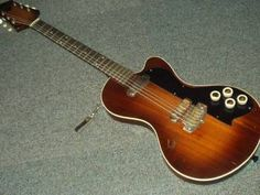 Dallas Tuxedo (1959) John Lennon's guitar?