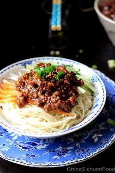 Zha Jiang Mian - Minced Pork Noodles - is a famous noodle dish across the country. However, you may see many restaurants offer it as Beijing style Zhajiangmian on their menu. Pork Recipes, Asian Recipes, Cooking Recipes, Ethnic Recipes, Pork Dishes, Pasta Dishes, Pork Noodles, Yummy Noodles, Kitchen