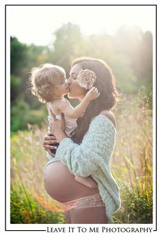 Maternity_Photography_Beautiful_Backlight_Mother and Daughter