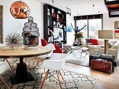 Decoración y mobiliario del salón de la interiorista Alejandro Pombo (via Gau Paris)