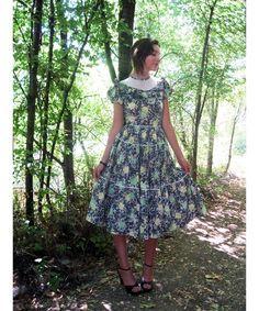 Items similar to dress Cotton floral print full skirt tiered S on Etsy Vintage 1950s Dresses, Vintage Skirt, Full Skirts, Dress Skirt, Floral Prints, Vintage Fashion, Short Sleeve Dresses, Summer Dresses, Rose