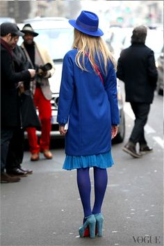 From Milan Fashion Week Blue Tights, Colored Tights, Opaque Tights, Pantyhose Outfits, In Pantyhose, Yellow Fashion, Colorful Fashion, Winter Fashion Outfits, Modest Fashion