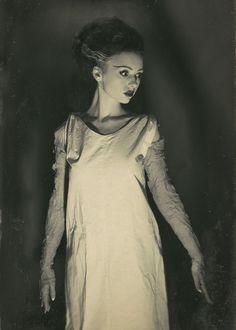 xxgeekpr0nxx:  The Bride of Frankenstein cosplay
