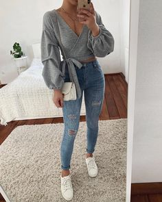 Fall fashion outfits ideas for winter outfits Cute Casual Outfits, Basic Outfits, Girly Outfits, Simple Outfits, Stylish Outfits, Dressy Winter Outfits, Teenage Outfits, Teen Fashion Outfits, Fashion Women